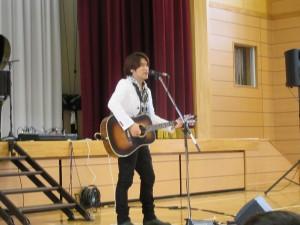 歌はもちろん,お話しも楽しい方でした。